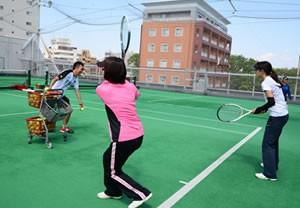 テニスショット練習風景